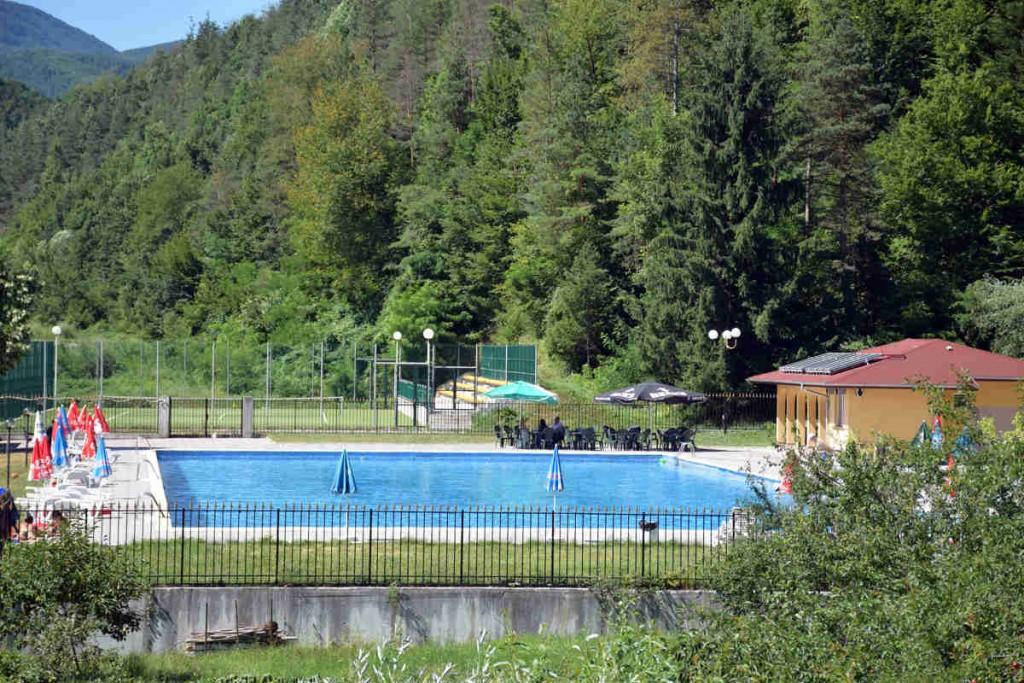 Плачковци - басейн